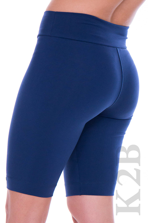 Bermuda cislista azul de costas