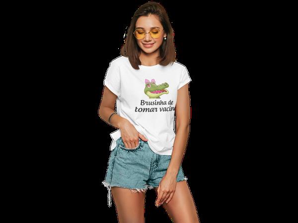 Camiseta Feminina Vacina Sim Brusinha de Tomar Vacina
